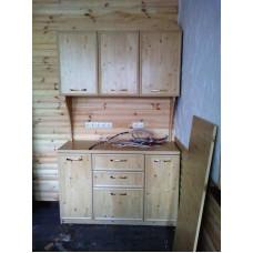 Деревянный навесной шкаф