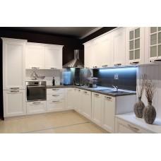 Кухня массив белая с углублением