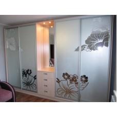 Шкаф-купе зеркальные листья