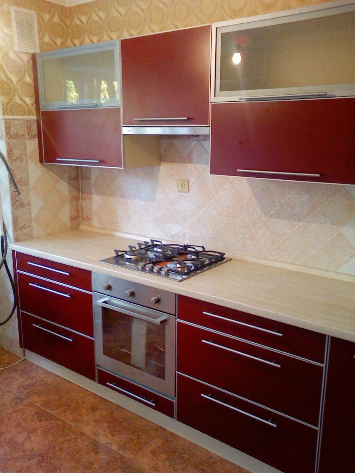 Кухня ДСП бордовая