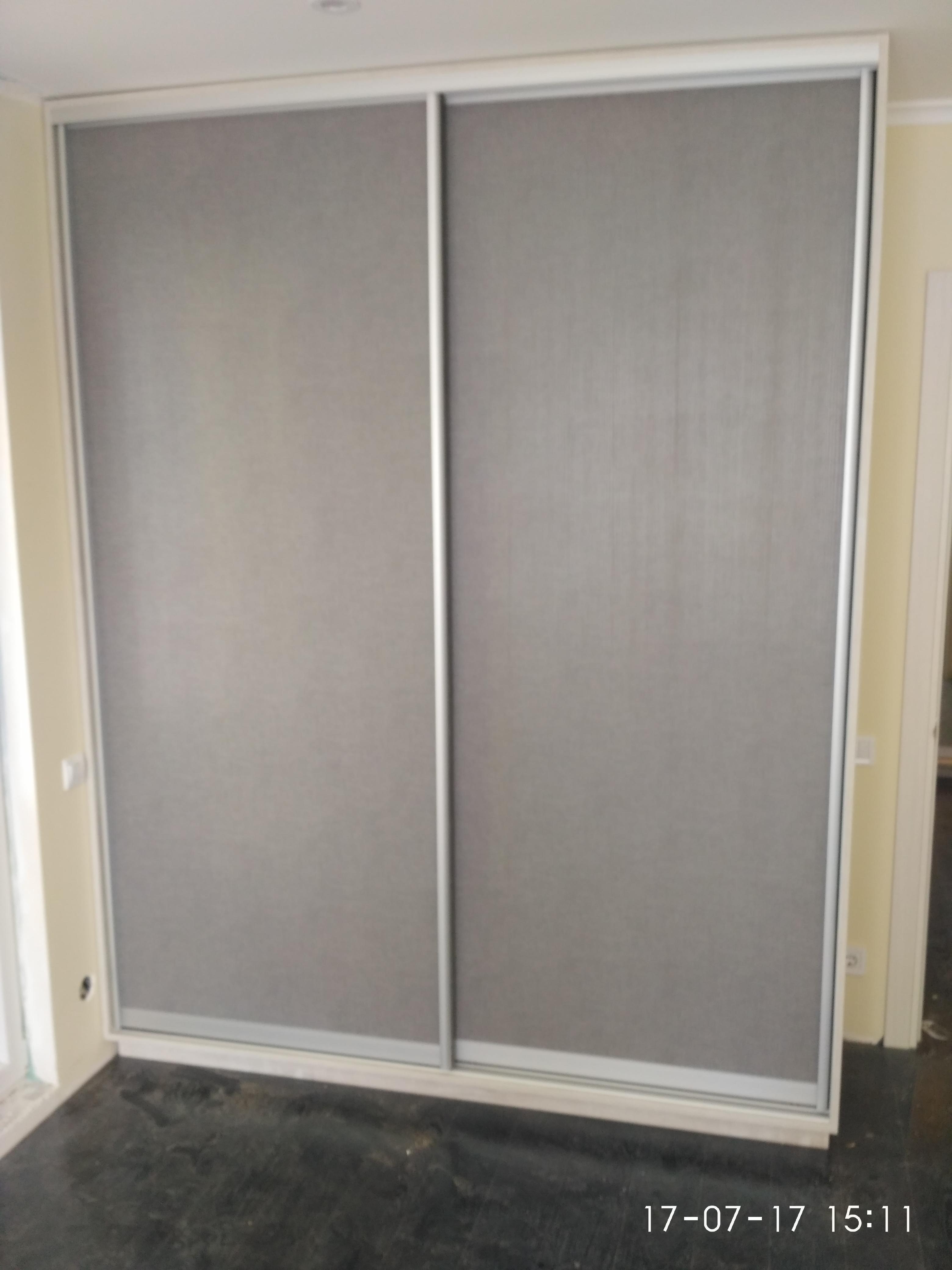 Шкаф-купе серый